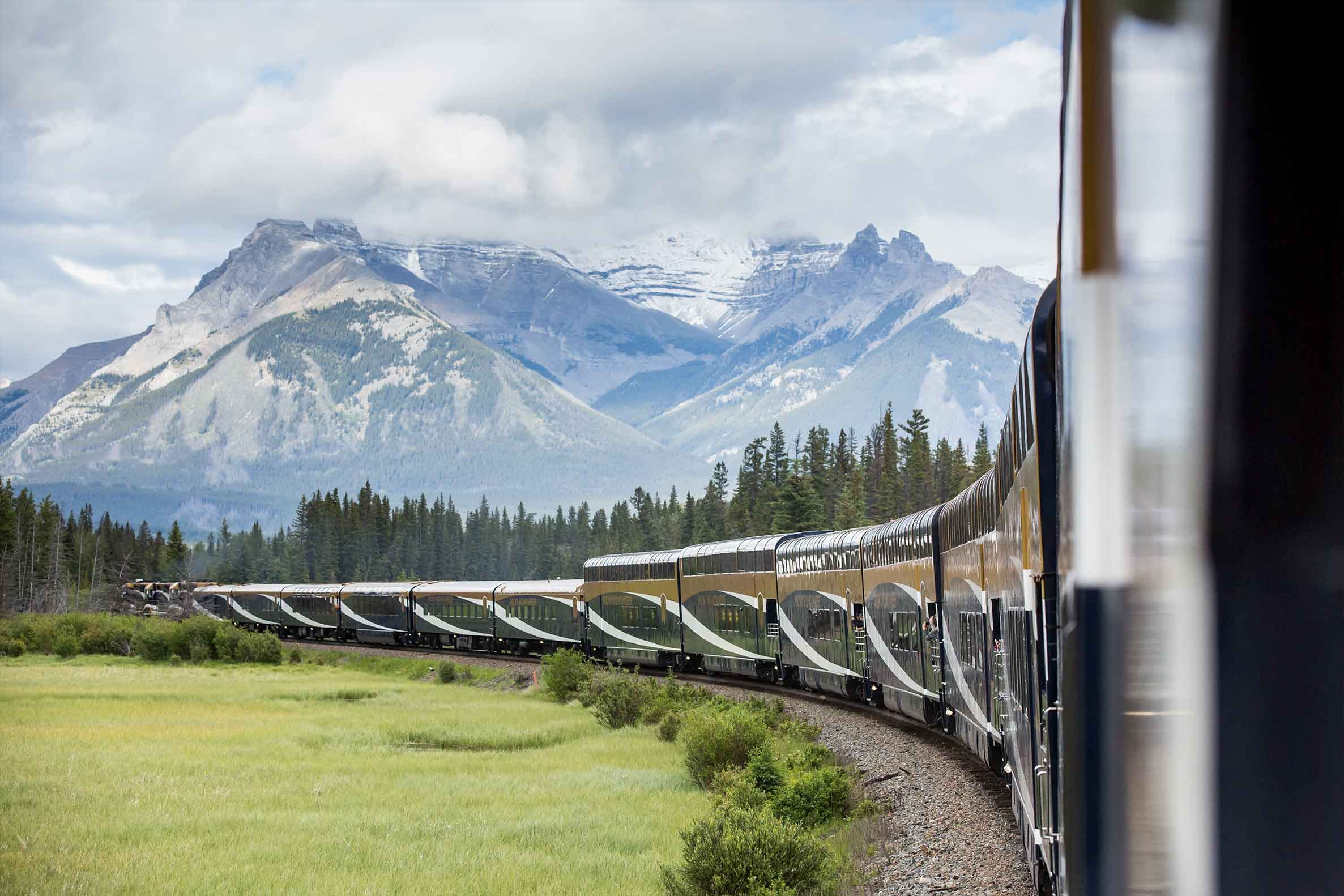 Rocky Mountaineer criticised for refund stance